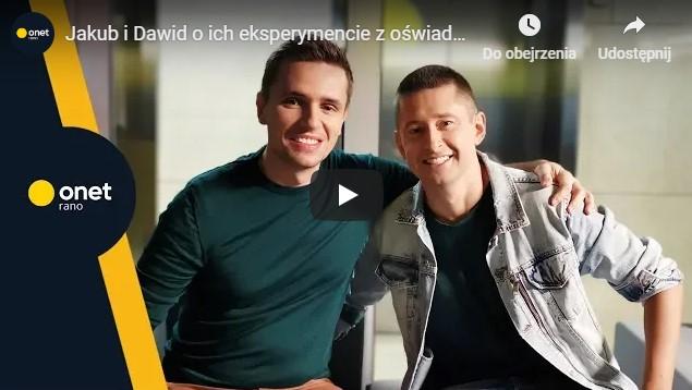 """<b>Onet rano<br>""""Jakub i Dawid o ich eksperymencie z oświadczynami: to był duży stres""""</b><br>27.11.2018"""